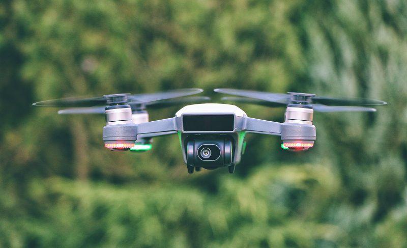 ドローン 自動 追尾 【2020最新版】ドローンの自動追尾機能とは?おすすめのドローンや自動追尾の注意点を解説!|DRONEOWNER